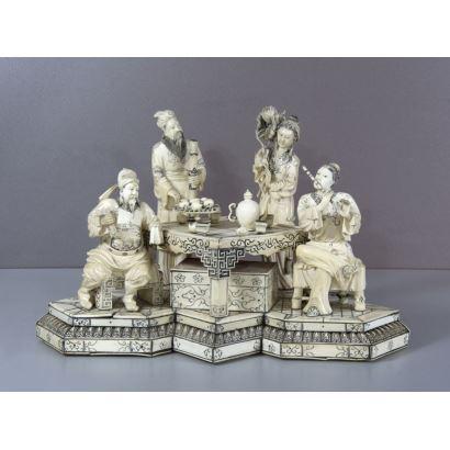 Grupo escultórico en marfil, S. XIX.
