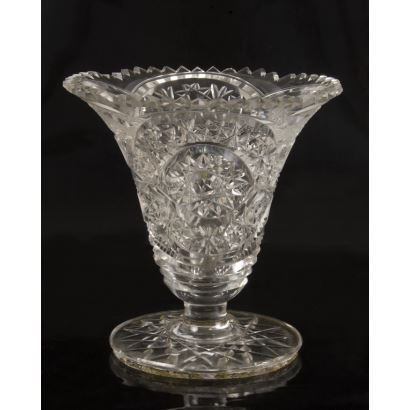 Vidrio. Jarrón en cristal tallado, hacia 1950.