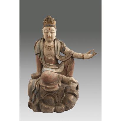 Escultura china tallada en madera y policromada. Siglo XX.