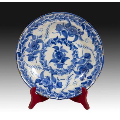 Plato cerámica de Manises, siglo XIX.