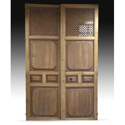 Muebles. Pareja de puertas de alacena antiguas.