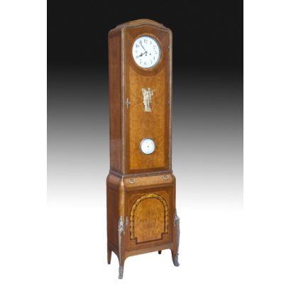 Reloj de caja alta, años 20.