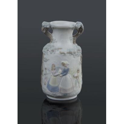 Porcelana. Cántaro en miniatura, Lladró, S. XX.