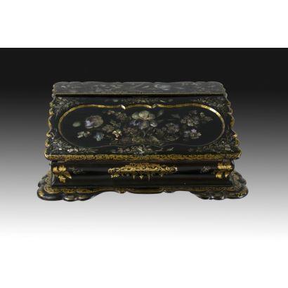 Caja escritorio española, siglo XIX.