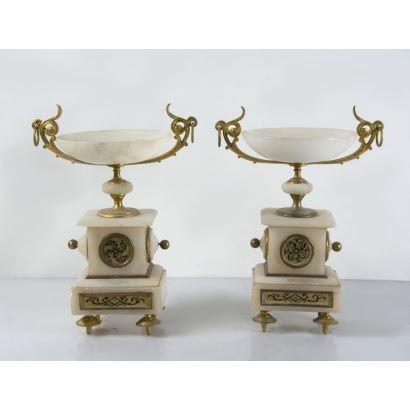 Objetos. Pareja de copas estilo Luis XVI, pps. XX.