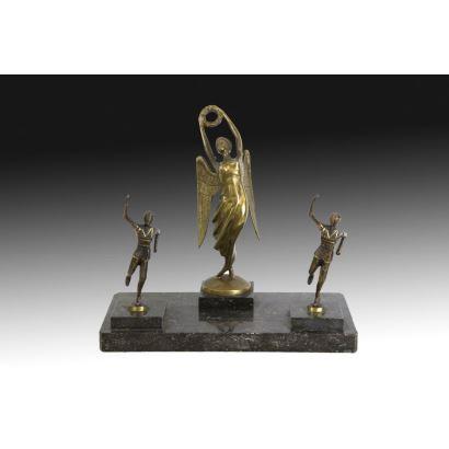 Niké en bronce dorado, S. XX.