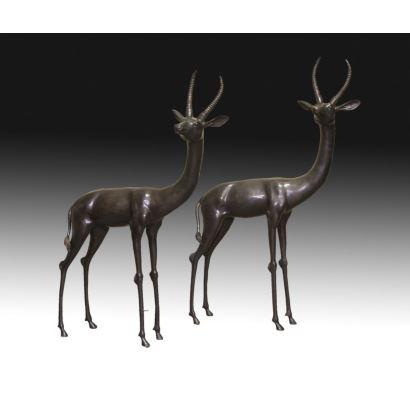 Pareja de antílopes en bronce, S. XX.