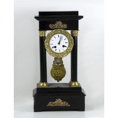 Reloj de columnas Imperio, siglo XIX.