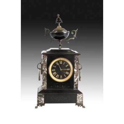 Reloj de sobremesa, fin S. XIX.