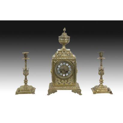 Reloj de sobremesa con guarnición, ppios. S. XlX