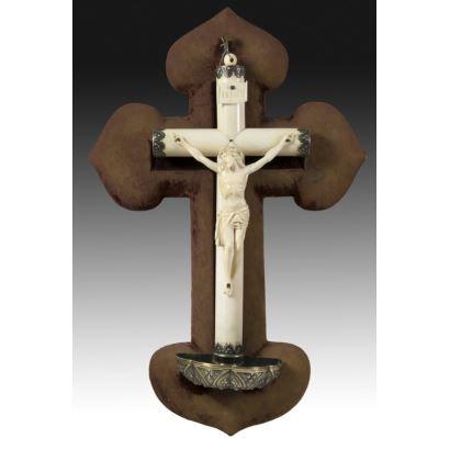 Benditera con crucifijo de marfil, s. XIX.