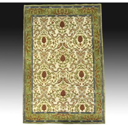 Alfombra en lana estilo iraní.