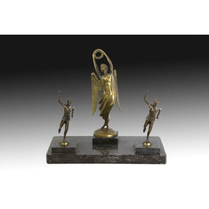 Niké in gilded bronze, S. XX.