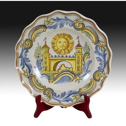 Plate in Valencian ceramics, pps. XX.