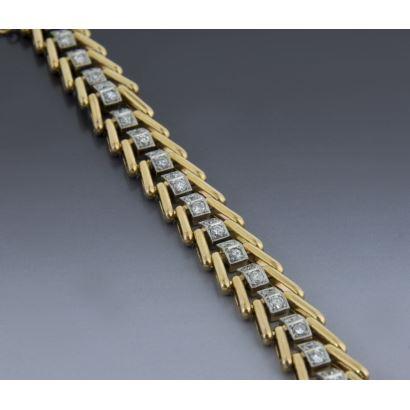 Articulated retro bracelet.