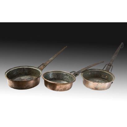 Conjunto de recipientes en cobre, S. XIX.