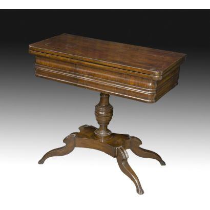 Mesa de juego isabelina, hacia 1900.