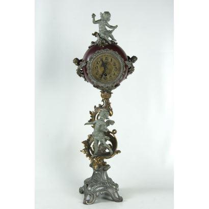 Reloj de sobremesa austríaco, hacia 1900