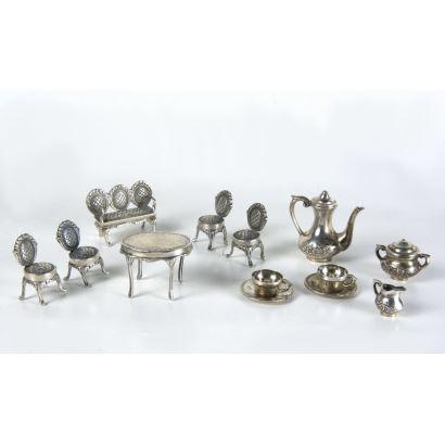 Conjunto de miniaturas en plata, S. XX.
