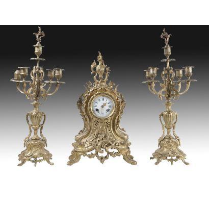 Reloj de sobremesa estilo Luis XV, Francia, ffs. XIX.