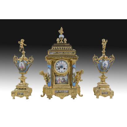 Relojes. Reloj con guarnición, Francia S. XIX.