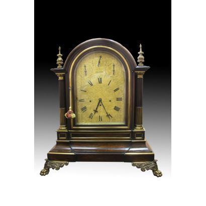 Relojes. Reloj bracket J.R. LOSADA, hacia 1855.