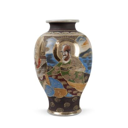 Porcelain. Satsuma style vase, 20th century China.