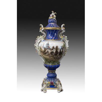 Jarrón de porcelana tipo Meissen