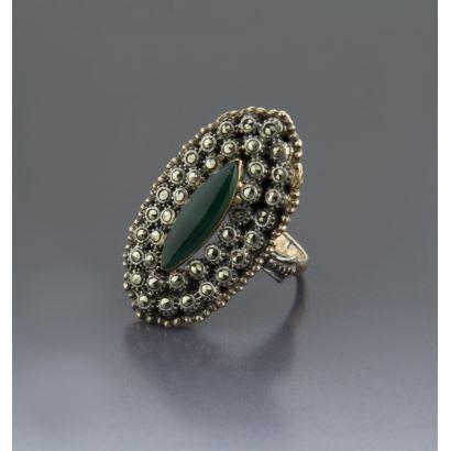 Elizabethan shuttle ring.