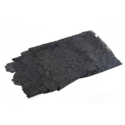 Mantilla negra de toalla.