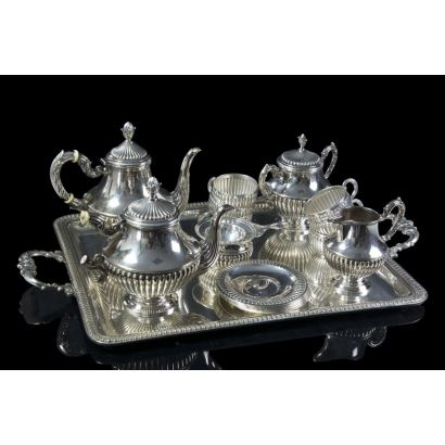 Coffee and tea set in silver, s. XX.