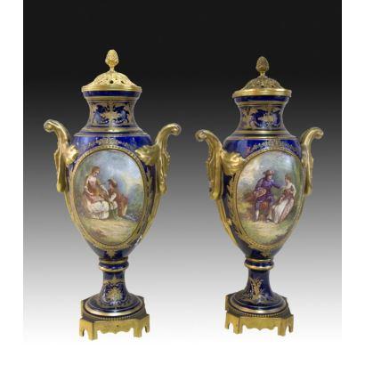Pair of vases Sévres, S. XIX.