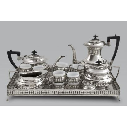 Coffee and tea set in Spanish silver, S. XX.
