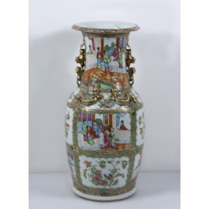 Porcelain vase from Canton, China, S. XIX.