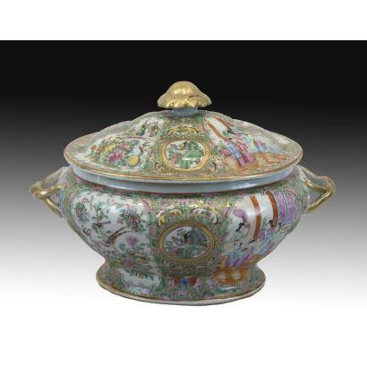 Sopera en porcelana de Cantón, S. XIX.