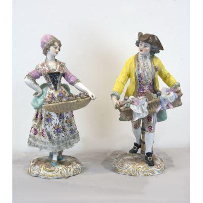 Pair of porcelain figures, Dresden fin S. XIX- Ppios. S. XX.