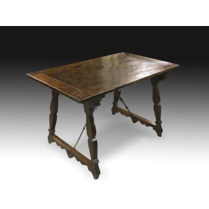 Mesa, siglo XVII.
