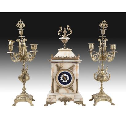 Table clock with garnish, 19th century.
