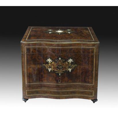 Caja licorera, estilo Napoleón III, S. XIX.