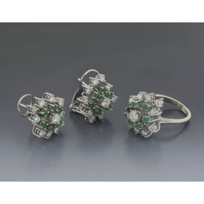 Set earrings and ring with emeralds and diamonds