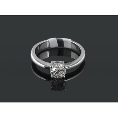 Solitaire in white gold and brilliant I-VS of 0.61 cts.
