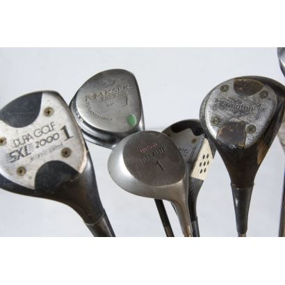 Set of 32 golf clubs, S. XX.