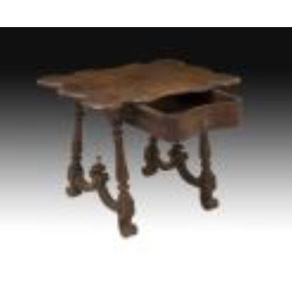Muebles. Mesa galápago isabelina, siglo XIX.