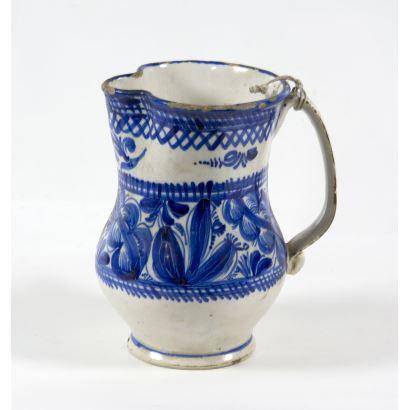 Jarro en cerámica de Manises, S. XIX.