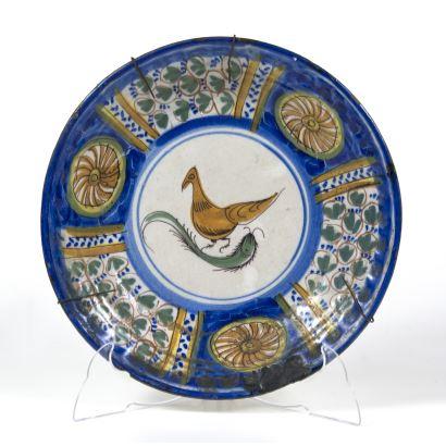 Plato en cerámica de Manises, S. XIX.