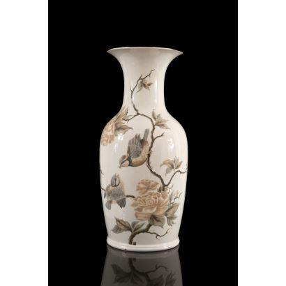 Porcelana. Jarrón de Lladró, S. XX