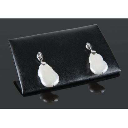 White gold earrings with diamonds totaling 0.04cts and cultured baroque pearl.