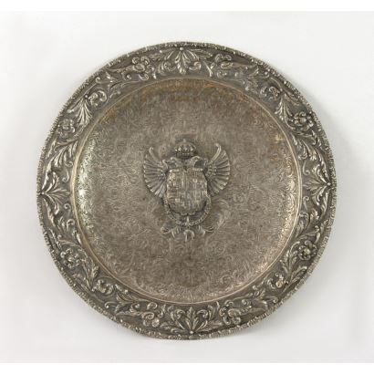 Spanish Renaissance style plate in silver.