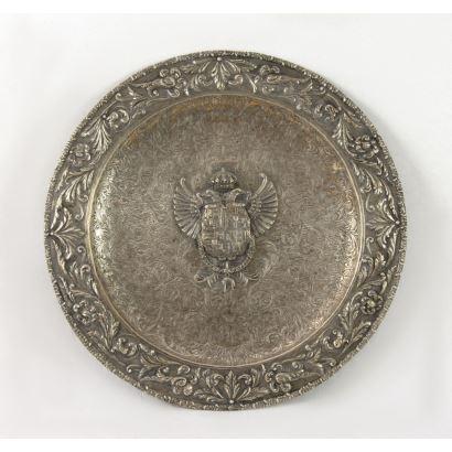 Plato estilo Renacimiento español en plata.