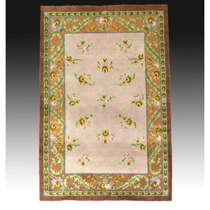 Carpet in virgin wool.